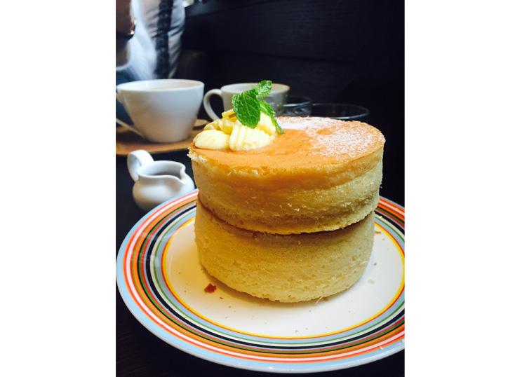 台北。統一時代。杏桃鬆餅屋。姊妹時光。胖胖的厚鬆餅